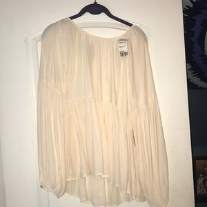 OFF WHITE FLOWY TOP